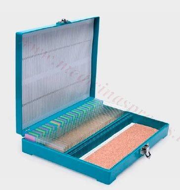 Priekšmetstiklu arhīvs-kastīte (ABS) ar aizslēgu, 100 stikliem.