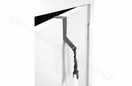 Uz durvīm stiprināms āķis, plecu daļas vingrināšanai.